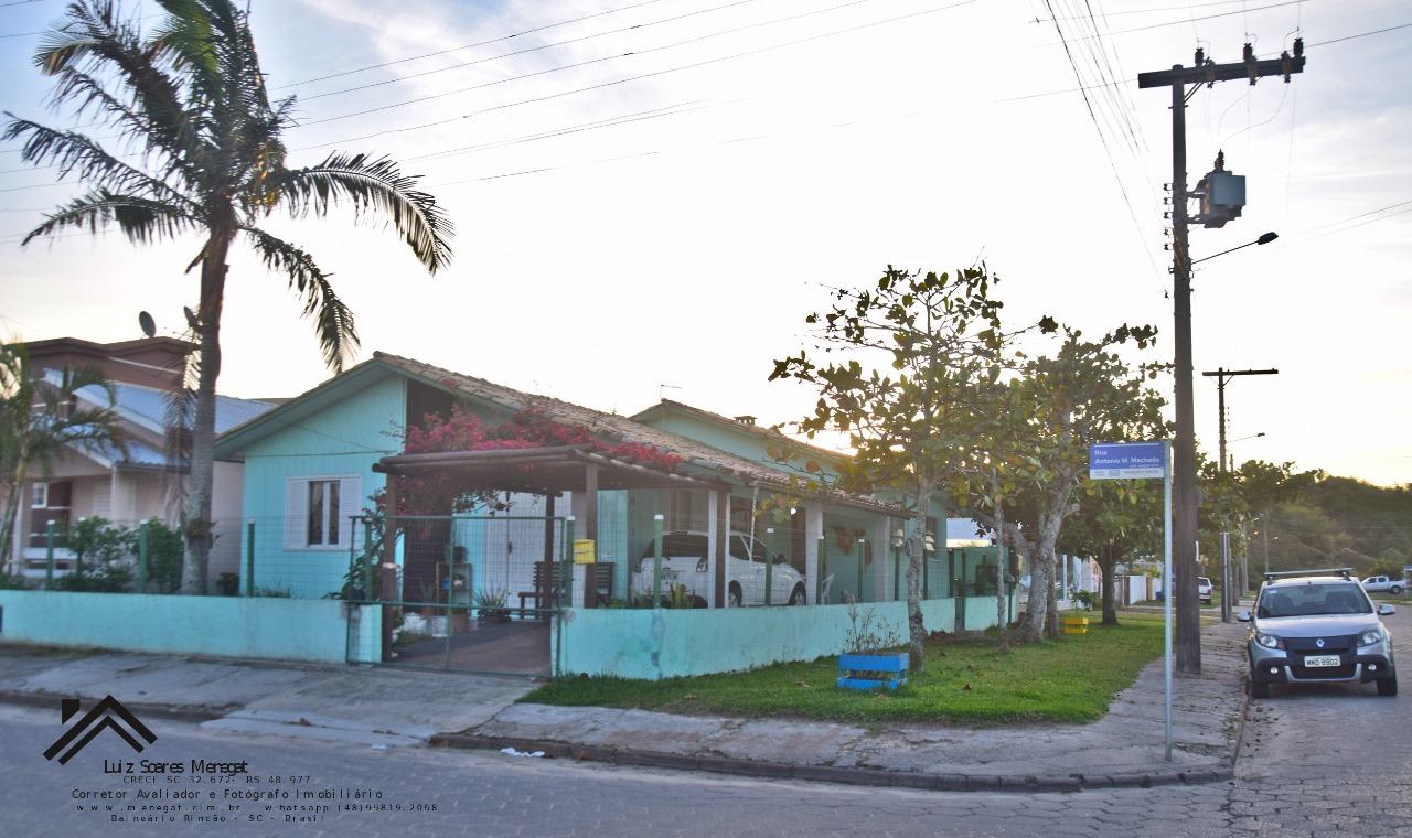 Casa à venda  no Zona Nova - Balneário Rincão, SC. Imóveis