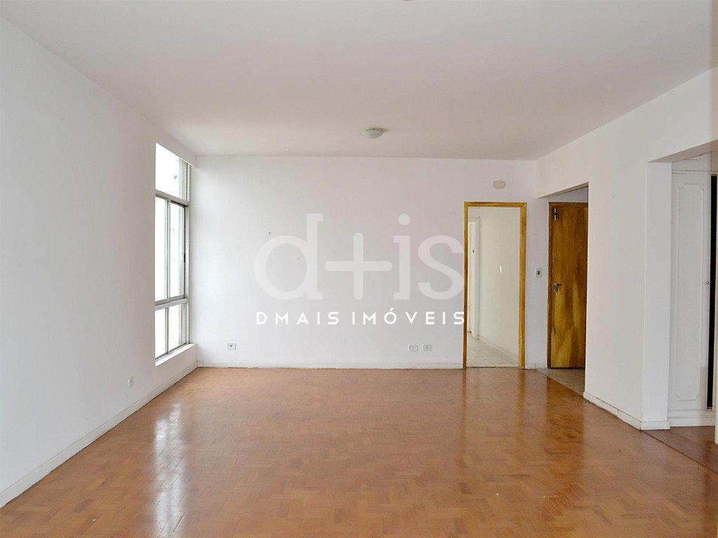 sala com piso de madeira em apartamento para alugar no Jardim Paulista