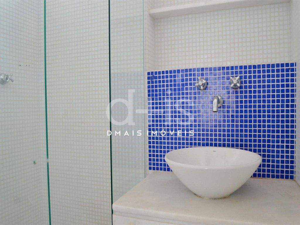banheiro reformado em apartamento para alugar no Jardim Paulista