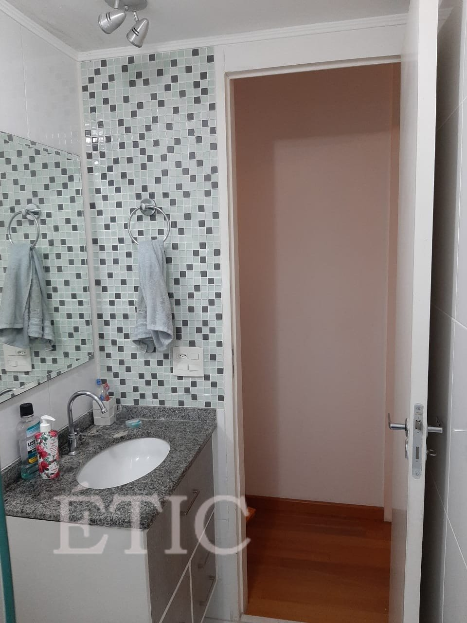 Banheiro-1-Vila-Ema