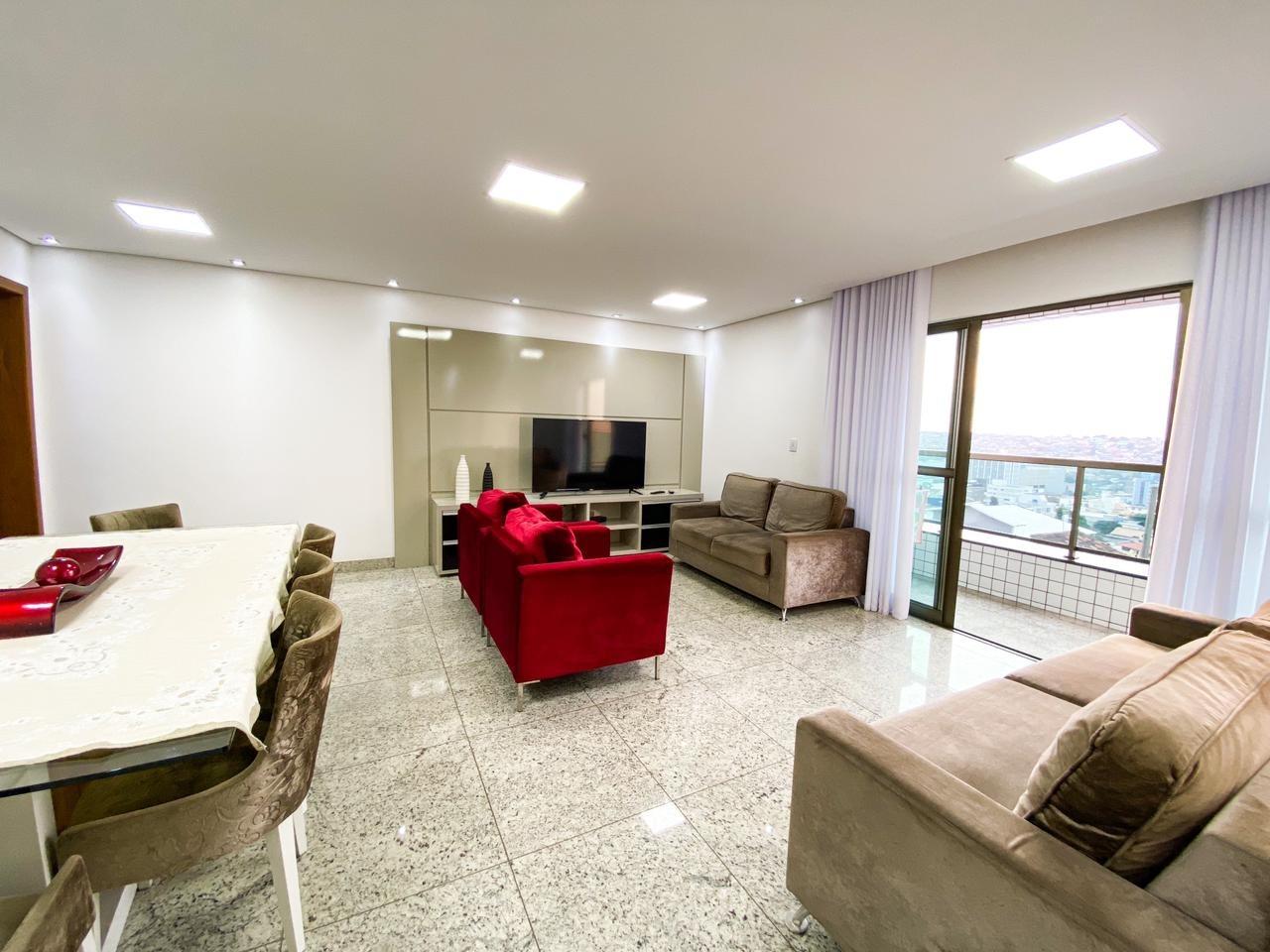 Apartamento de 130,82m²,  à venda