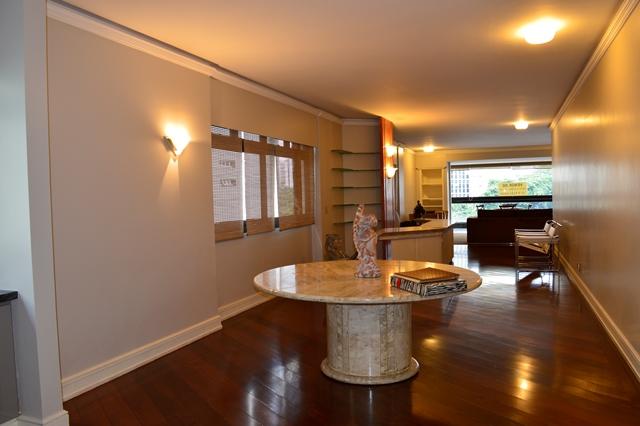 Apartamento de 301,00m²,  à venda
