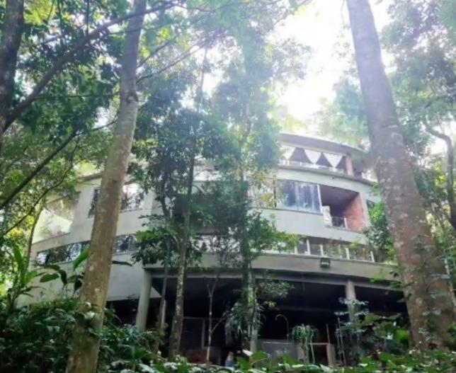 Casa de 2.514,00m²,  à venda
