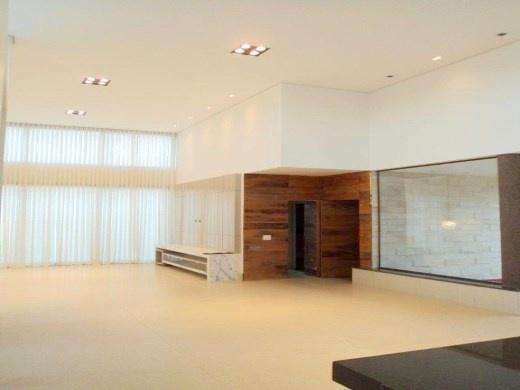 Casa de 261,00m²,  à venda