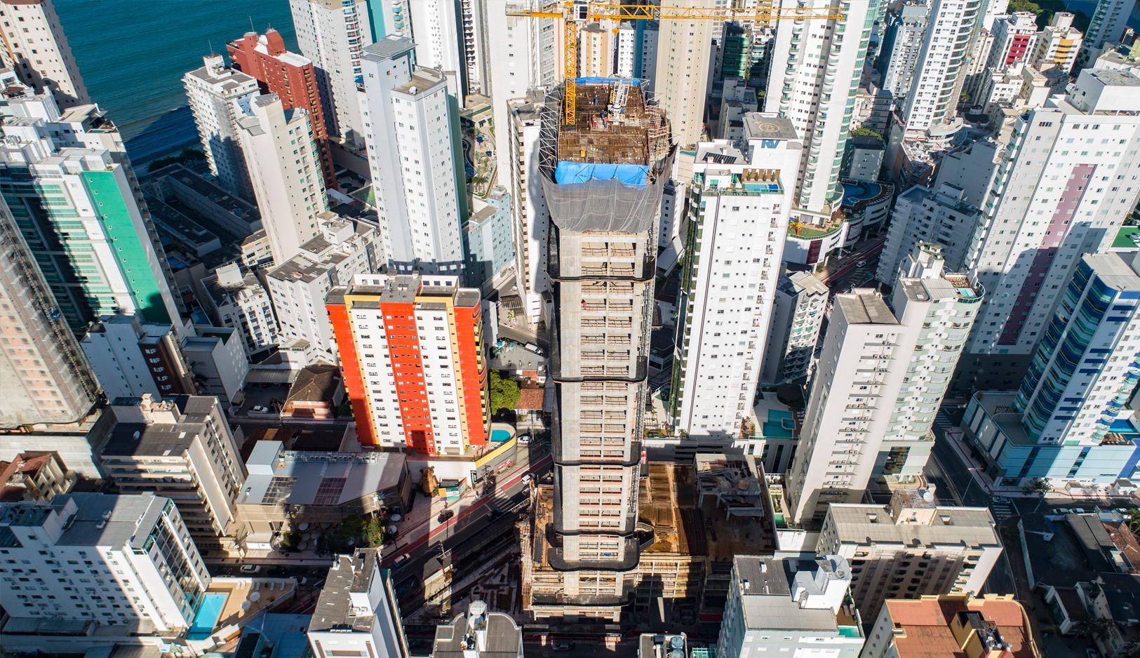 Apartamento em Andar Alto no Vitra no Centro de Balneário Camboriú
