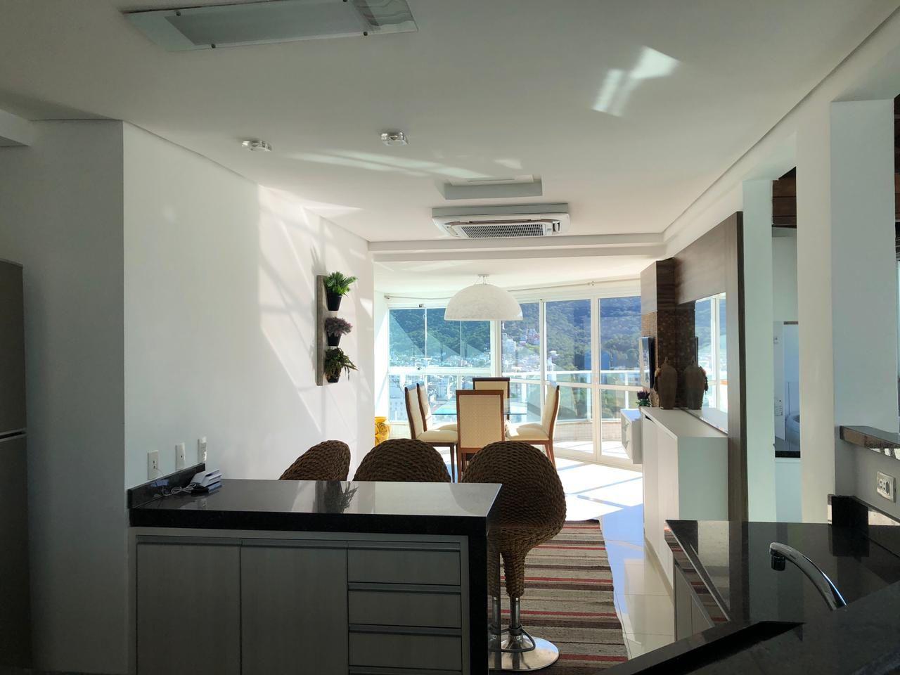 Cobertura Duplex Mobiliada com Piscina Exclusiva na Barra Norte de Balneário Camboriu