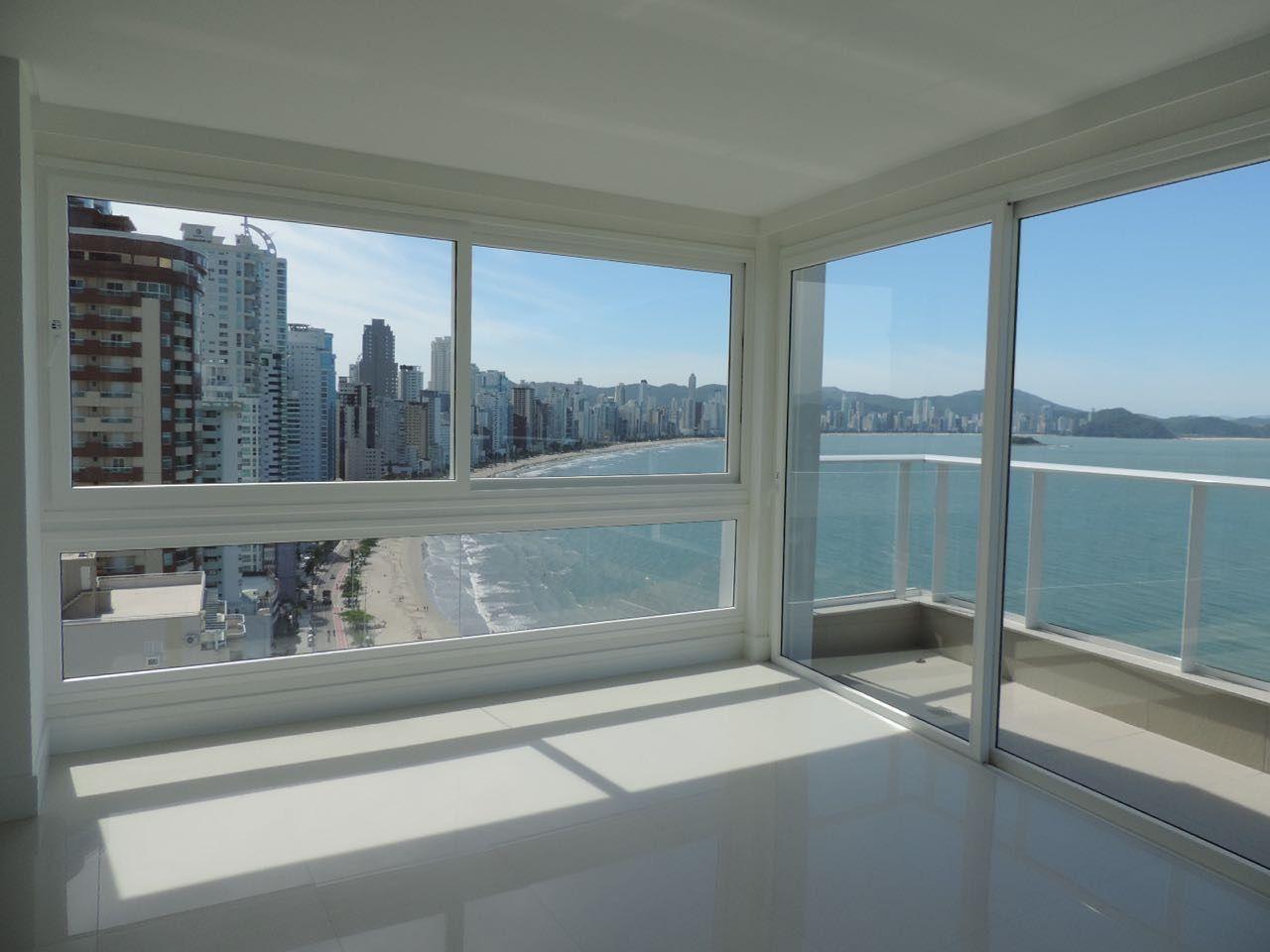 Apartamento em Andar Alto no Grand Palazzo em Balneário Camboriú
