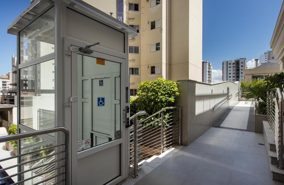 Apartamento em Andar Alto no Serendipity Village em Balneário Camboriú