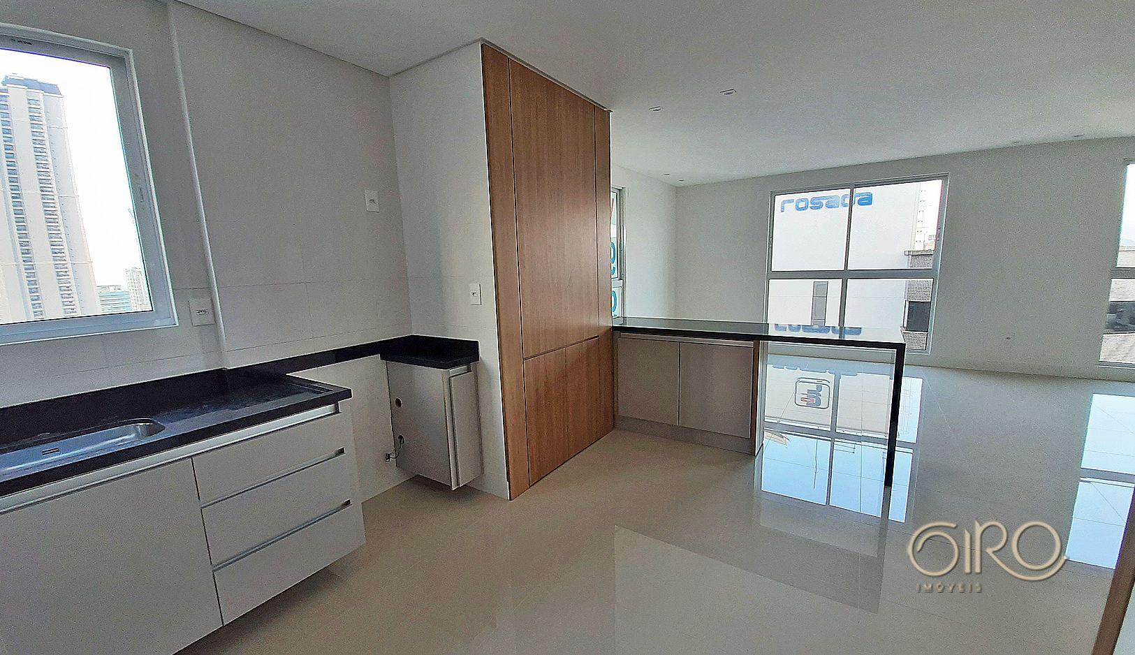 Apartamento em Andar Alto no Edifício Gran Vintage em Balneário Camboriú