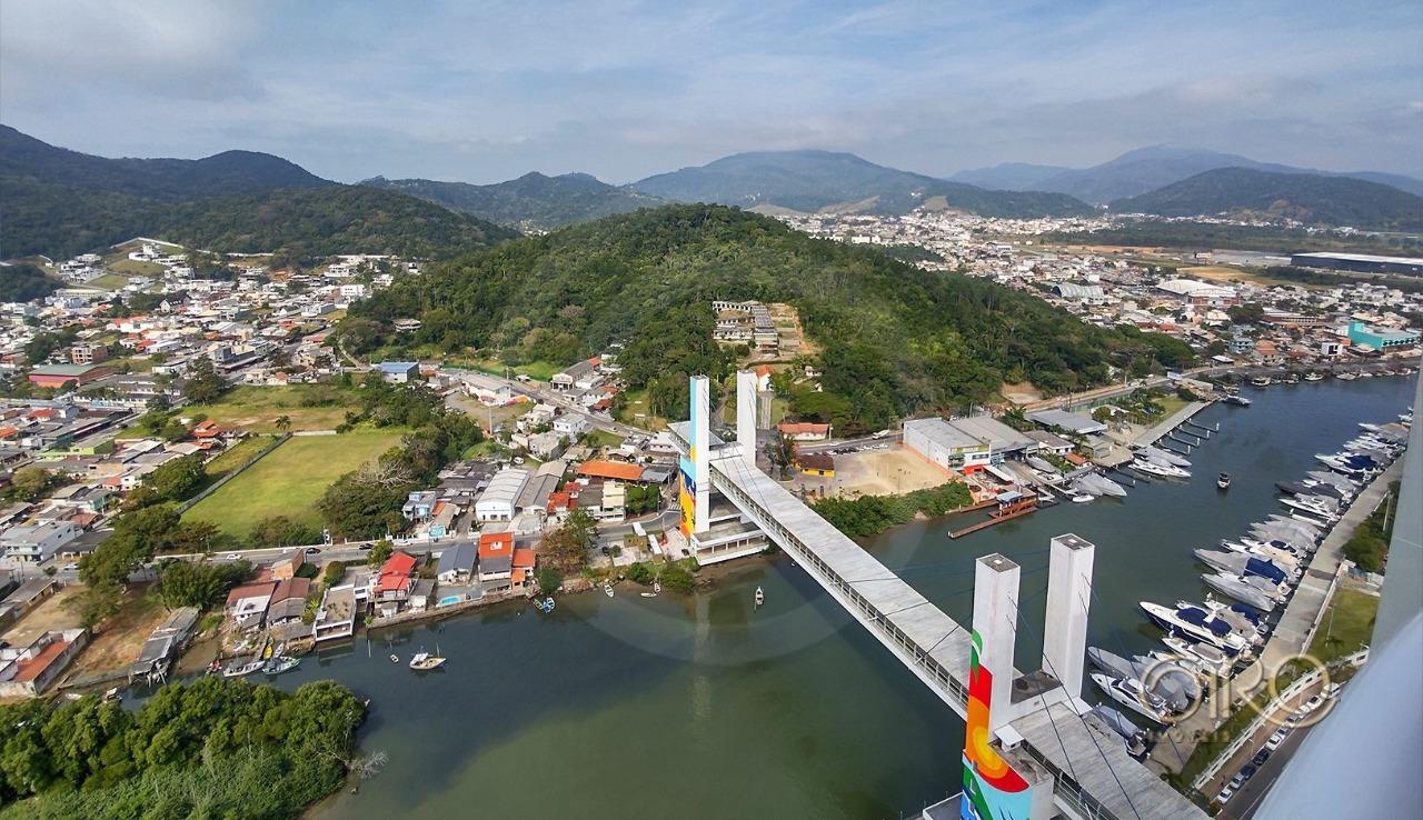 Apartamento Frente Mar, Mobiliado e Equipado no Edifício Barra Tower em Balneário Camboriú