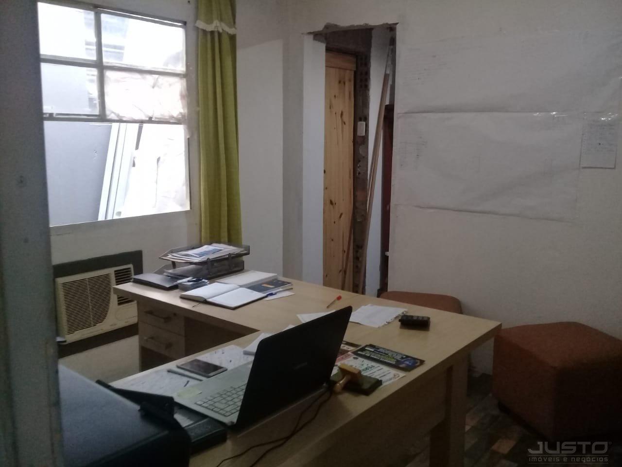 08 DORMITÓRIO HOME OFFICE