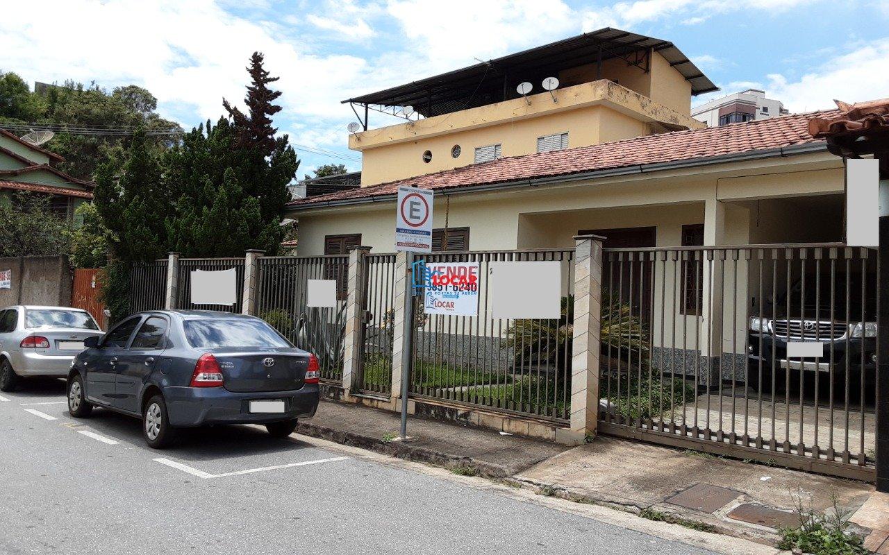 Casa de 445,10m²,  à venda