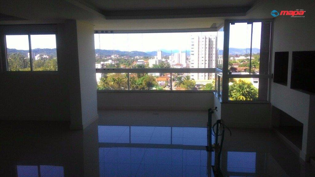 Apartamento no bairro Capitais