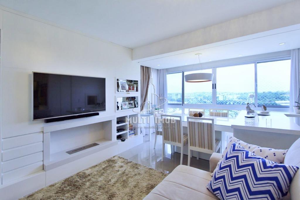Apartamento  2 Dormitórios  1 Suíte  2 Vagas de Garagem Venda Bairro Central Parque em Porto Alegre RS