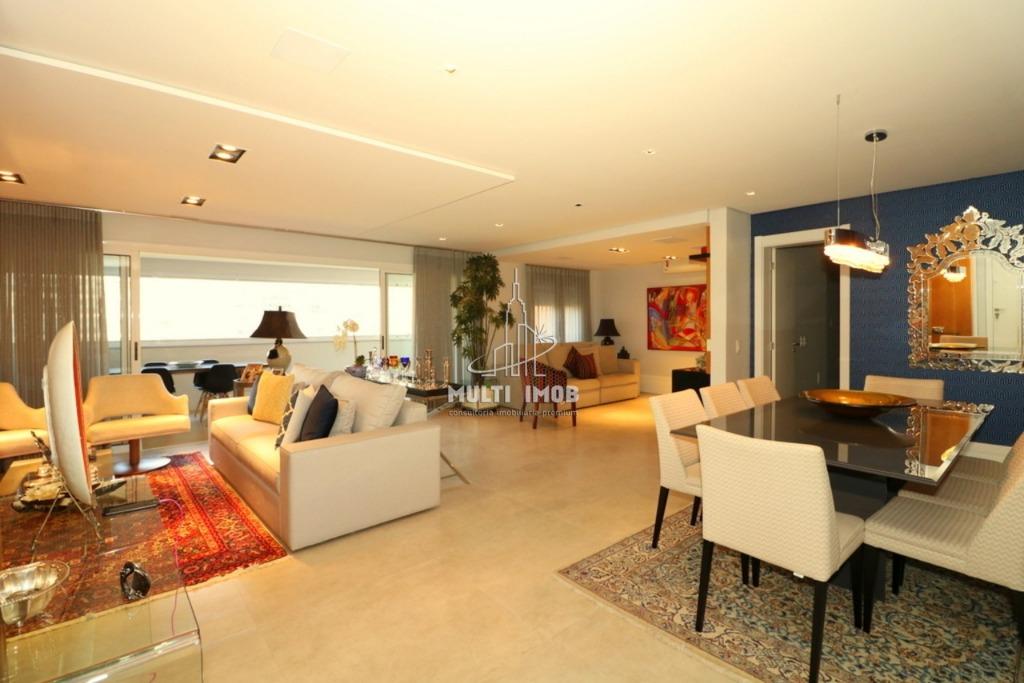 Apartamento  3 Dormitórios  3 Suítes  2 Vagas de Garagem Venda Bairro Central Parque em Porto Alegre RS