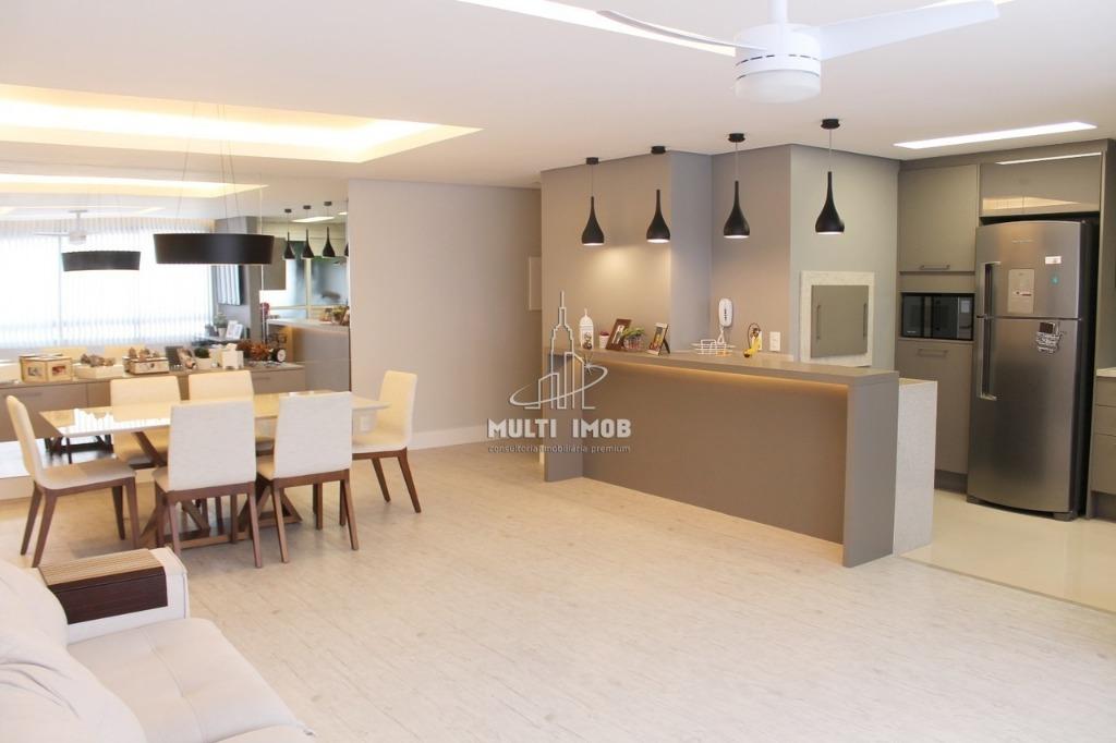 Apartamento  3 Dormitórios  3 Suítes  2 Vagas de Garagem Venda Bairro Chácara das Pedras em Porto Alegre RS