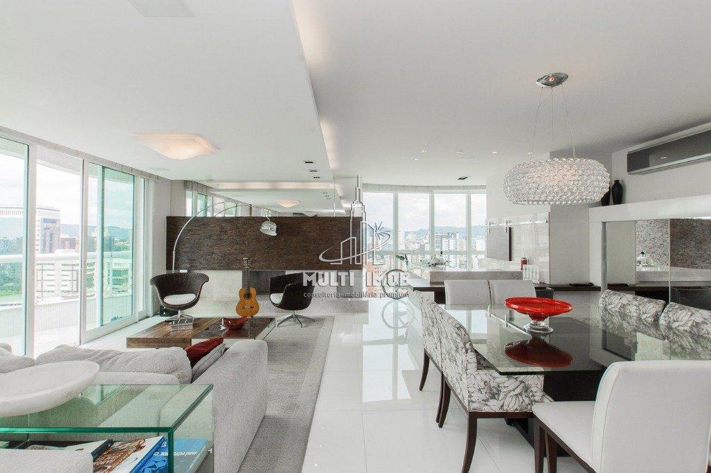 Apartamento  3 Dormitórios  3 Suítes  4 Vagas de Garagem Venda e Aluguel Bairro Petrópolis em Porto Alegre RS