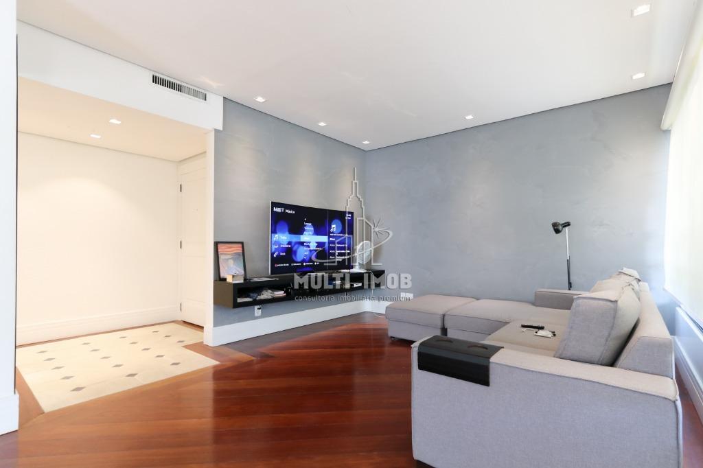 Apartamento  3 Dormitórios  1 Suíte  3 Vagas de Garagem Venda Bairro Moinhos de Vento em Porto Alegre RS