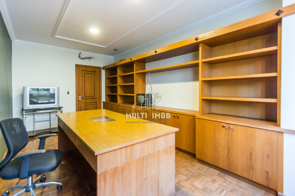Casa  5 Dormitórios  4 Suítes  6 Vagas de Garagem Venda e Aluguel Bairro Chácara das Pedras em Porto Alegre RS