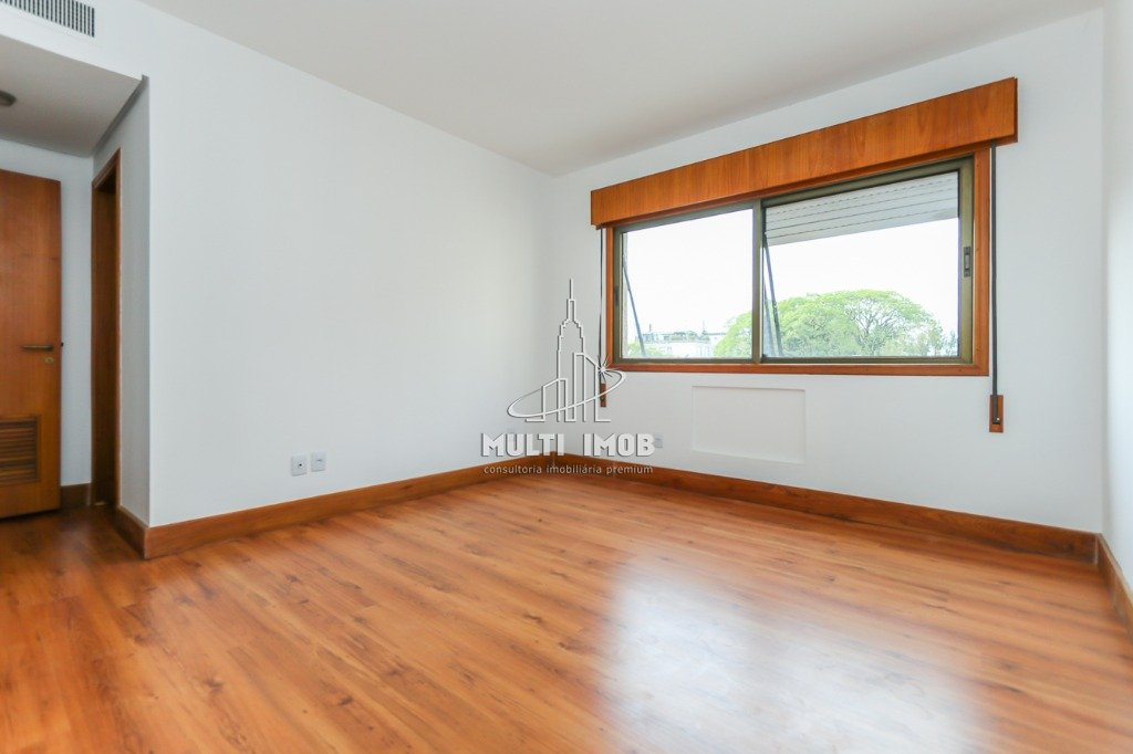 Apartamento  3 Dormitórios  3 Suítes  3 Vagas de Garagem Venda e Aluguel Bairro Higienópolis em Porto Alegre RS