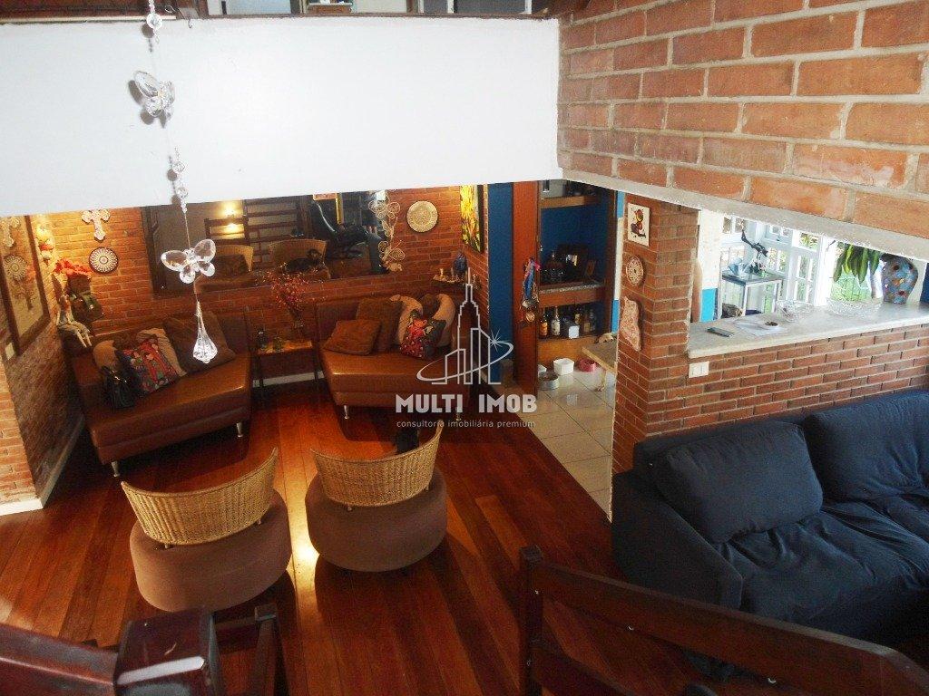 Casa em Condomínio  3 Dormitórios  1 Suíte  2 Vagas de Garagem Venda Bairro Chácara das Pedras em Porto Alegre RS