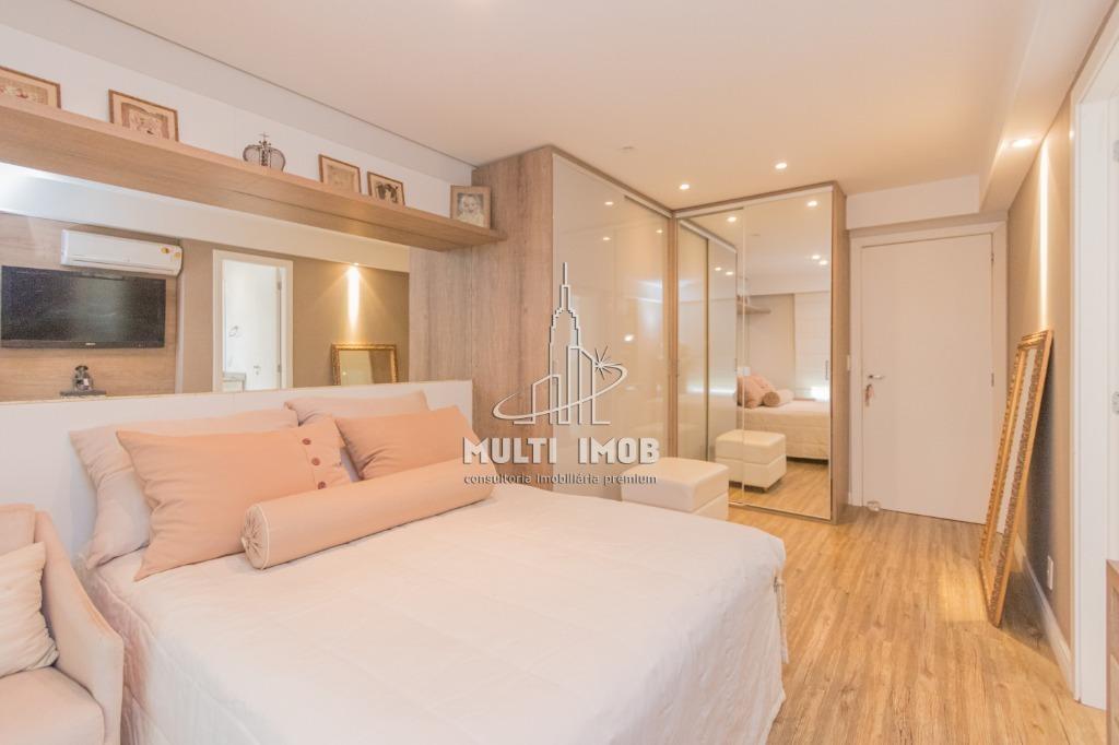 Apartamento  4 Dormitórios  4 Suítes  3 Vagas de Garagem Venda Bairro Petrópolis em Porto Alegre RS