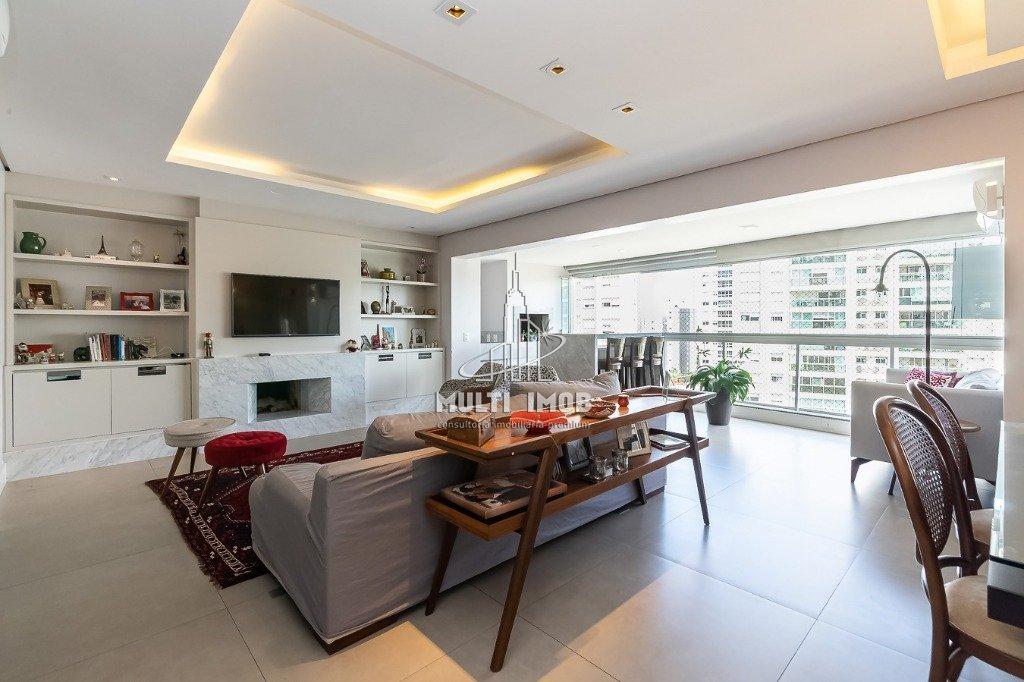 Apartamento  3 Dormitórios  1 Suíte  3 Vagas de Garagem Venda Bairro Central Parque em Porto Alegre RS