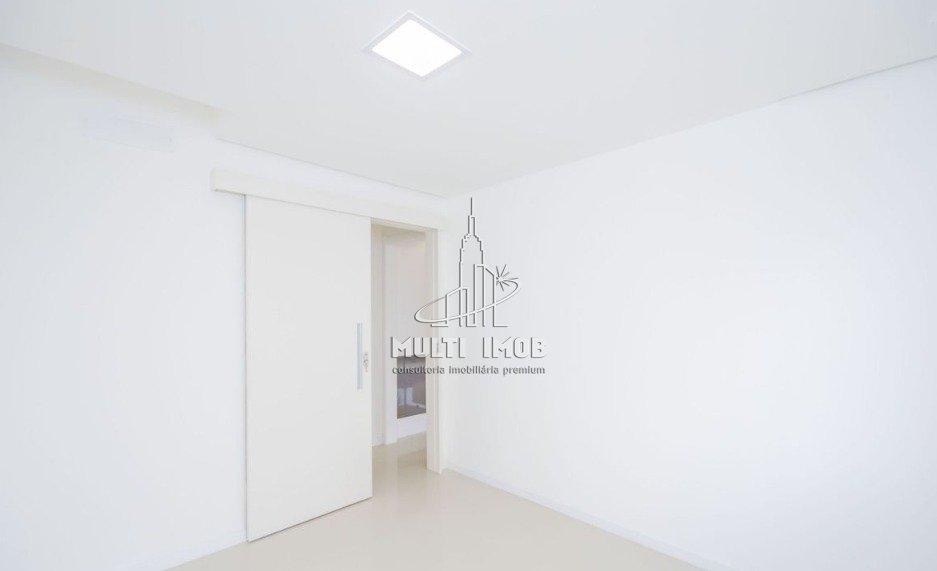 Apartamento Garden  3 Dormitórios  1 Suíte  2 Vagas de Garagem Venda Bairro Jardim Europa em Porto Alegre RS