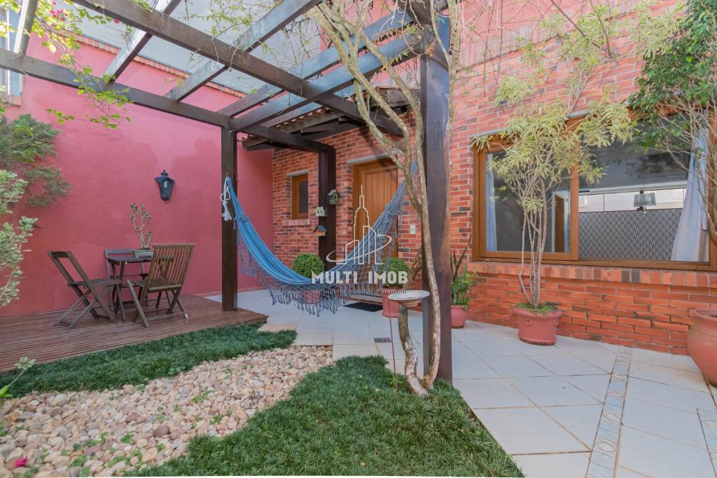 Casa em Condomínio  4 Dormitórios  2 Suítes  2 Vagas de Garagem Venda Bairro Vila Jardim em Porto Alegre RS