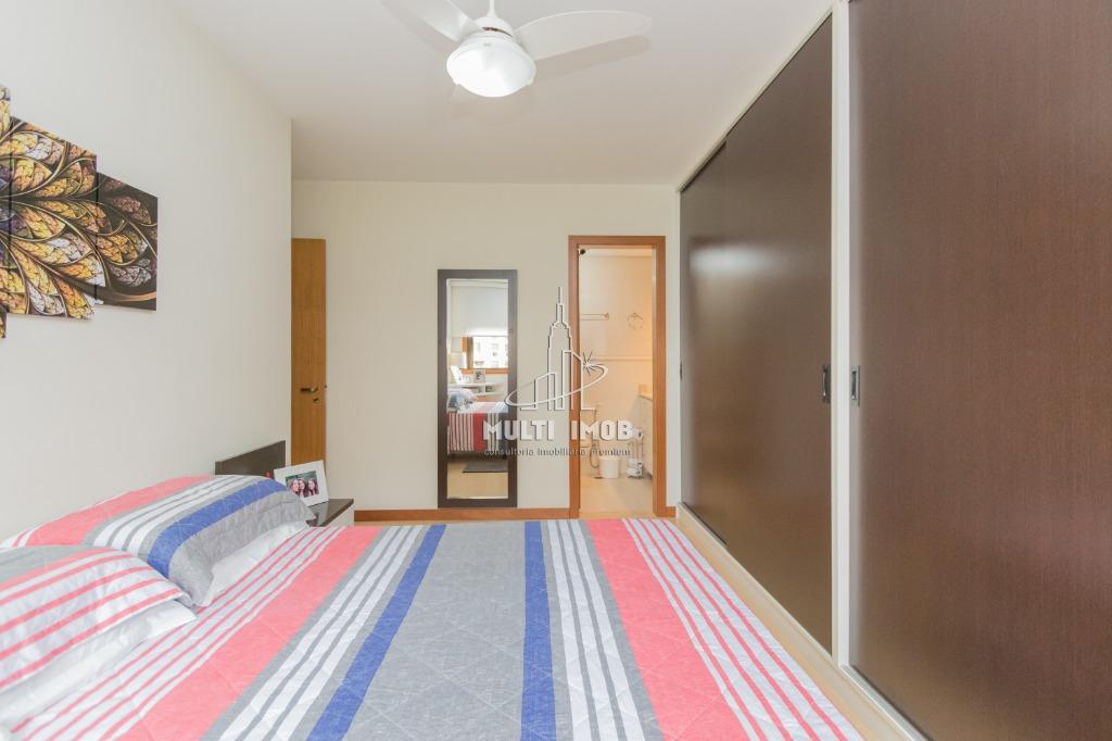 Apartamento  3 Dormitórios  1 Suíte  2 Vagas de Garagem Venda Bairro Moinhos de Vento em Porto Alegre RS