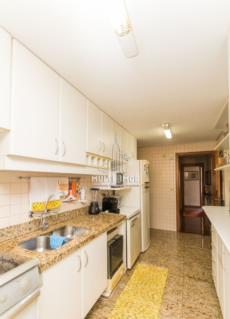 Apartamento  3 Dormitórios  3 Suítes  2 Vagas de Garagem Venda Bairro Petrópolis em Porto Alegre RS