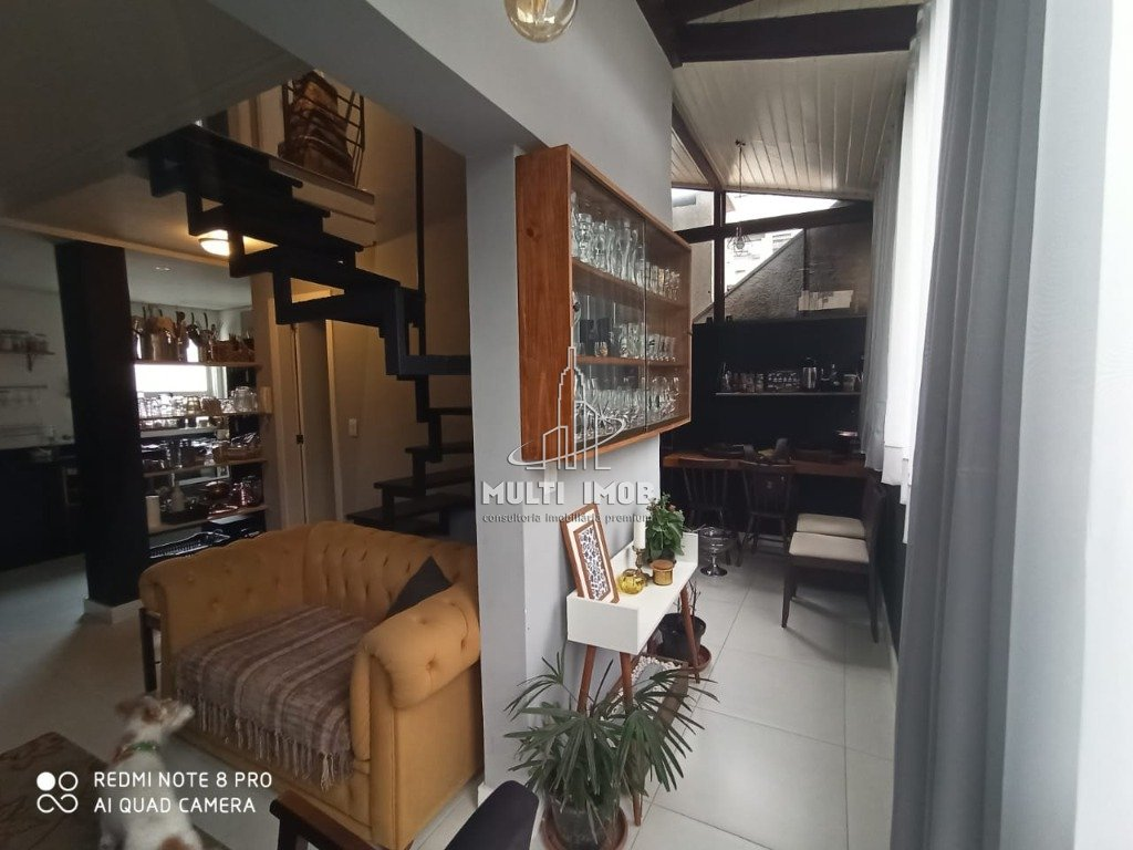 Apartamento  2 Dormitórios  1 Suíte  1 Vaga de Garagem Venda Bairro Auxiliadora em Porto Alegre RS
