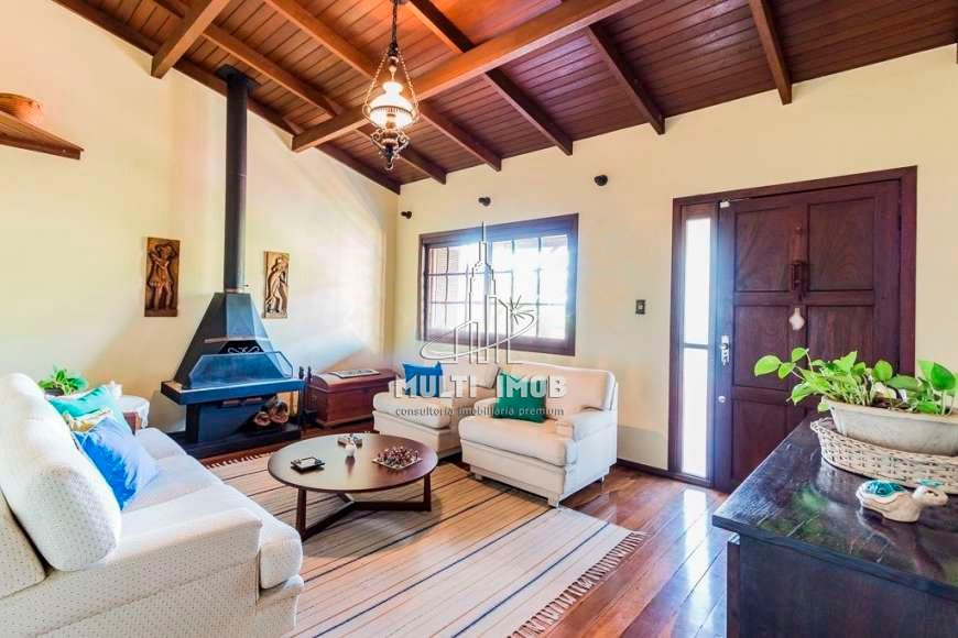 Casa  4 Dormitórios  2 Suítes  3 Vagas de Garagem Venda Bairro Jardim Sabará em Porto Alegre RS