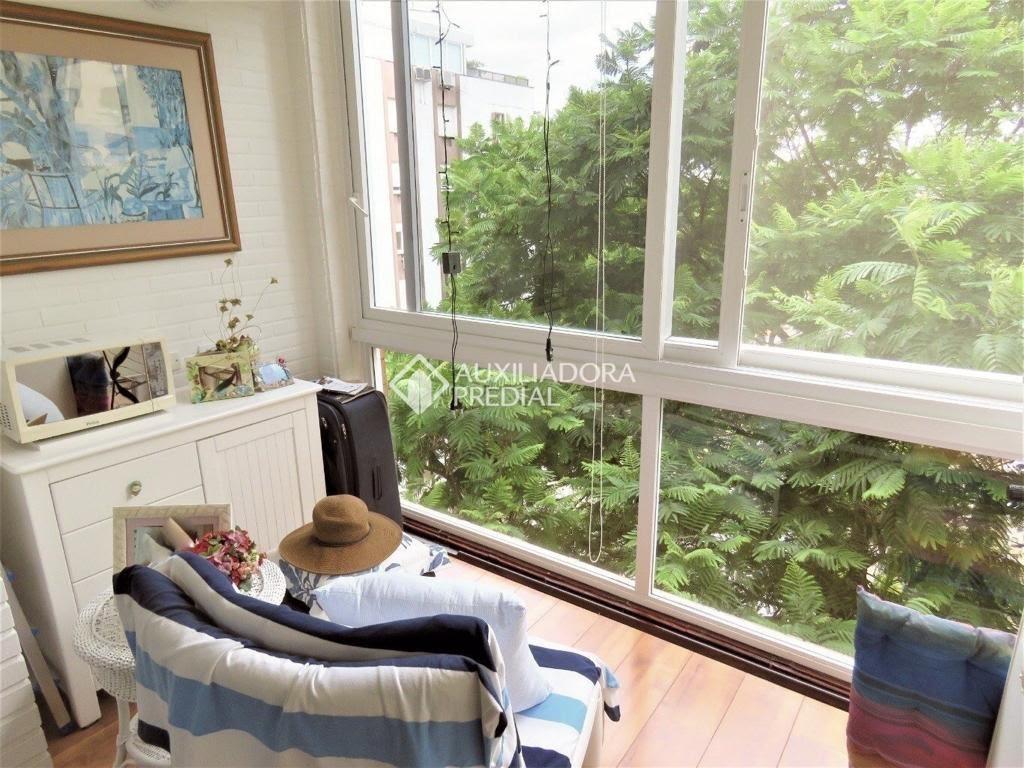 Apartamento Duplex  2 Dormitórios  1 Suíte  1 Vaga de Garagem Venda Bairro Moinhos de Vento em Porto Alegre RS