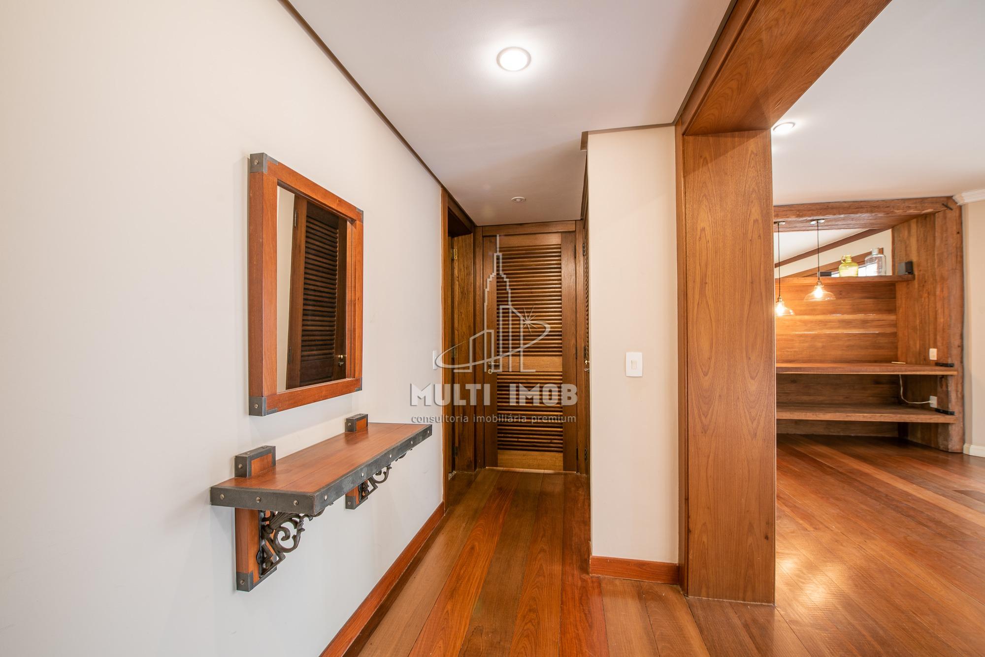 Apartamento  3 Dormitórios  1 Suíte  2 Vagas de Garagem Venda Bairro Petrópolis em Porto Alegre RS