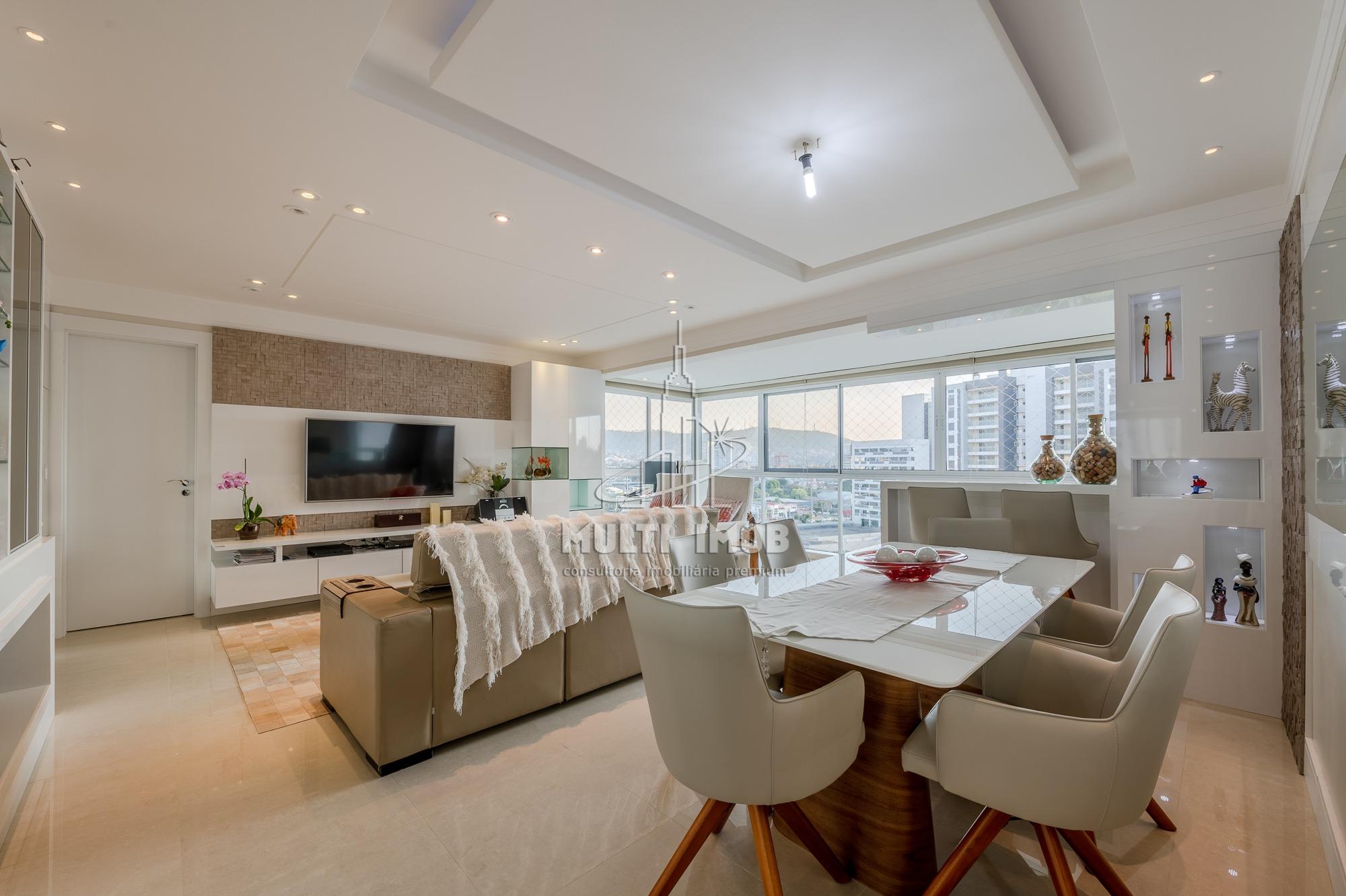 Apartamento  3 Dormitórios  2 Suítes  2 Vagas de Garagem Venda Bairro Central Parque em Porto Alegre RS