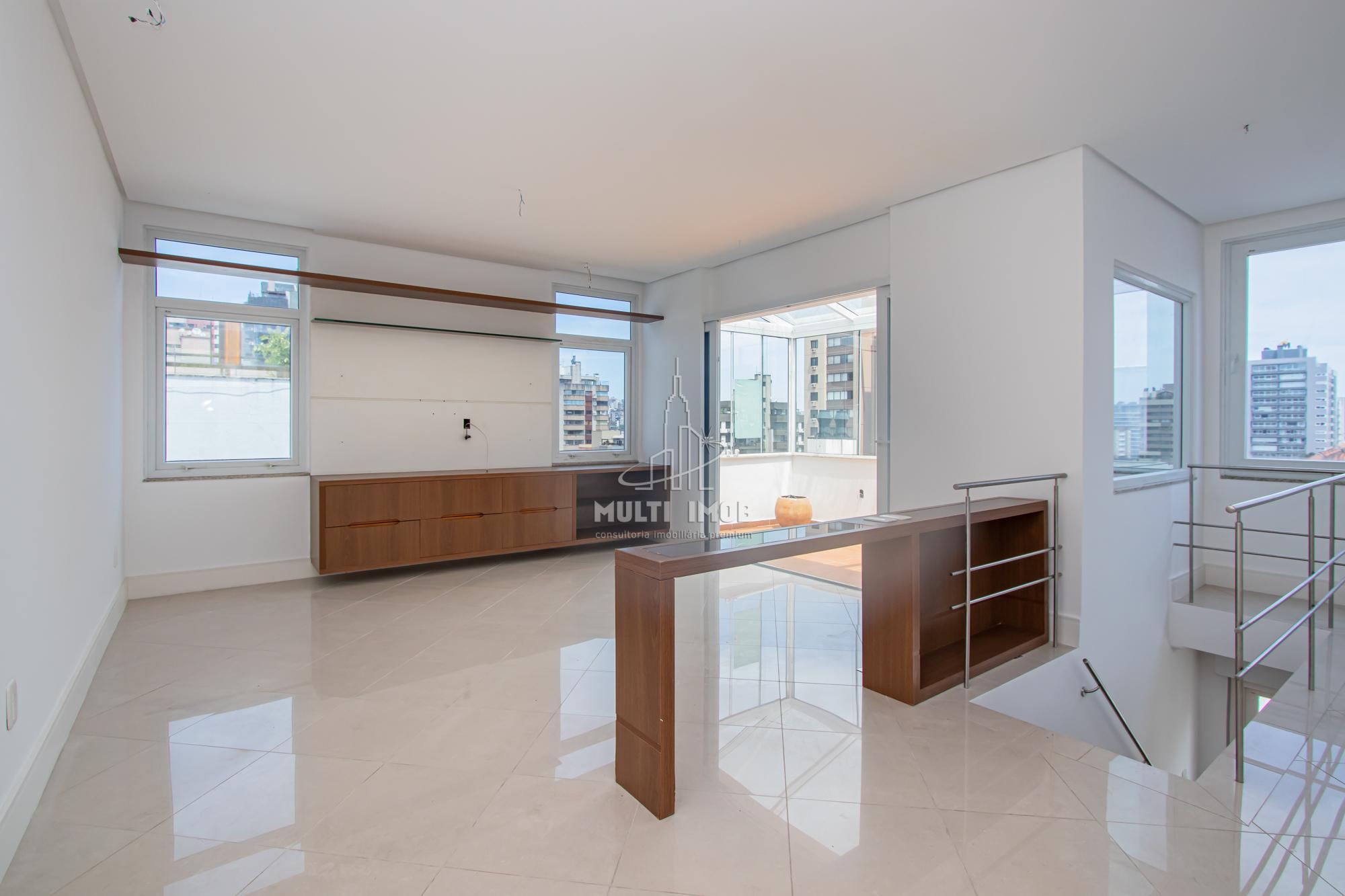 Cobertura  2 Dormitórios  1 Suíte  1 Vaga de Garagem Venda Bairro Moinhos de Vento em Porto Alegre RS