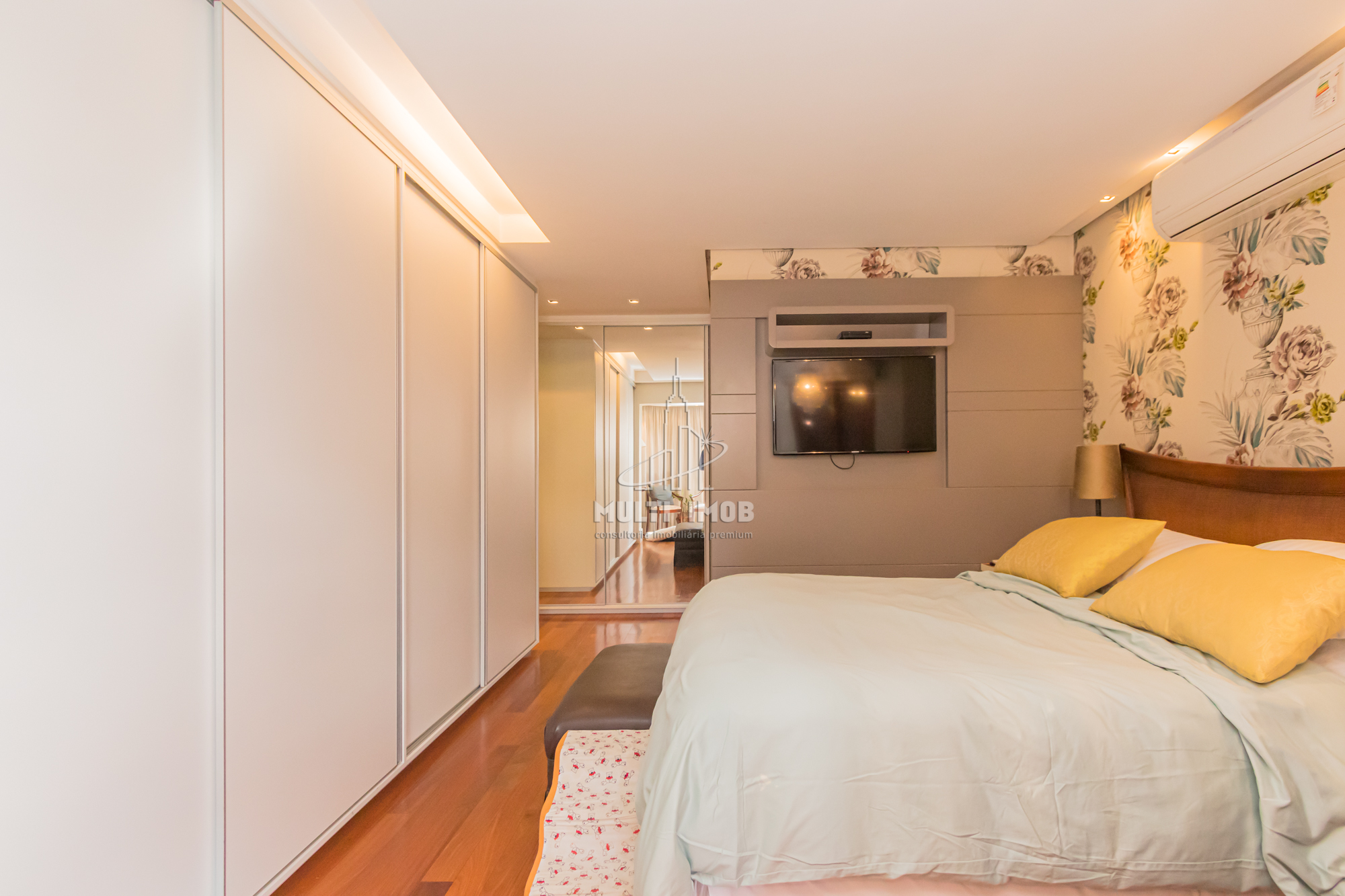 Apartamento  3 Dormitórios  2 Suítes  2 Vagas de Garagem Venda Bairro Petrópolis em Porto Alegre RS