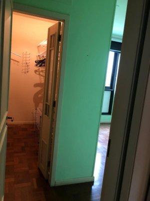 086_closet.jpeg