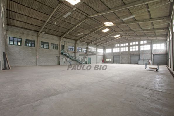 Galp�o Industrial Cotia