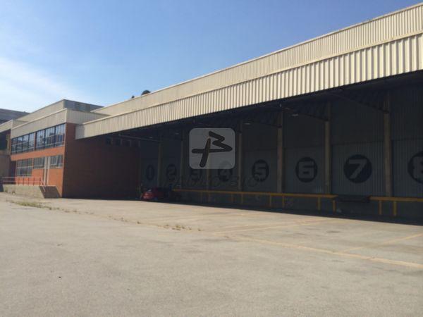 Galp�o Industrial Barueri