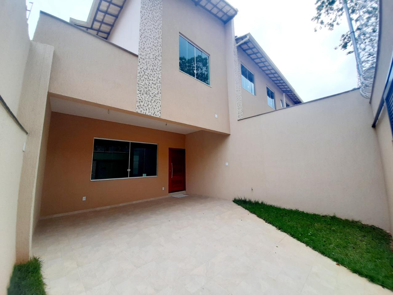 Casa geminada de 123,37m²,  à venda