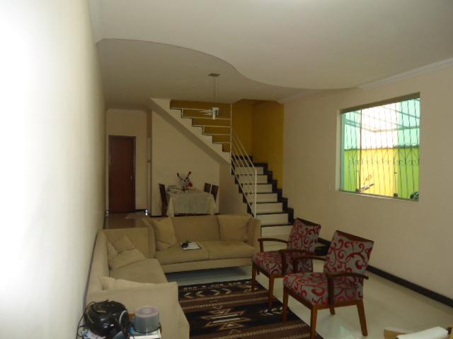 Casa geminada de 191,57m²,  à venda