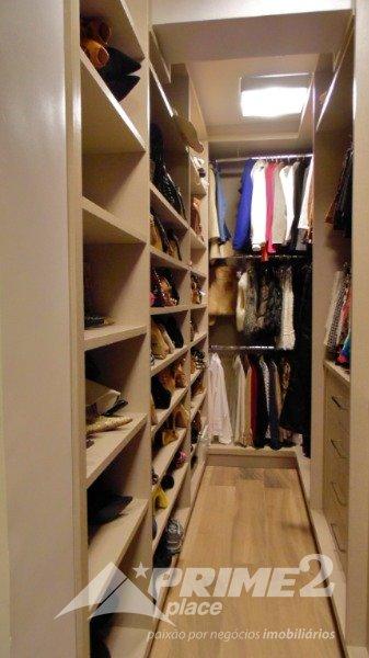 (14) Closet