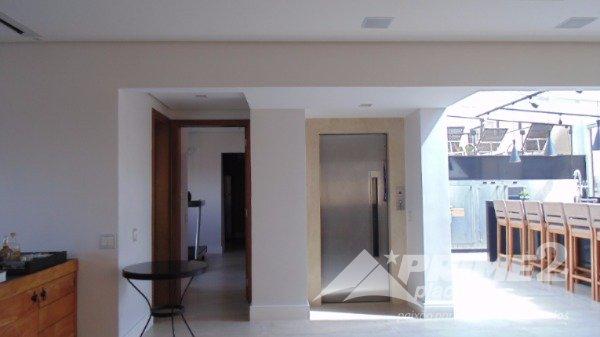 (25) Hall de entrada piso superior