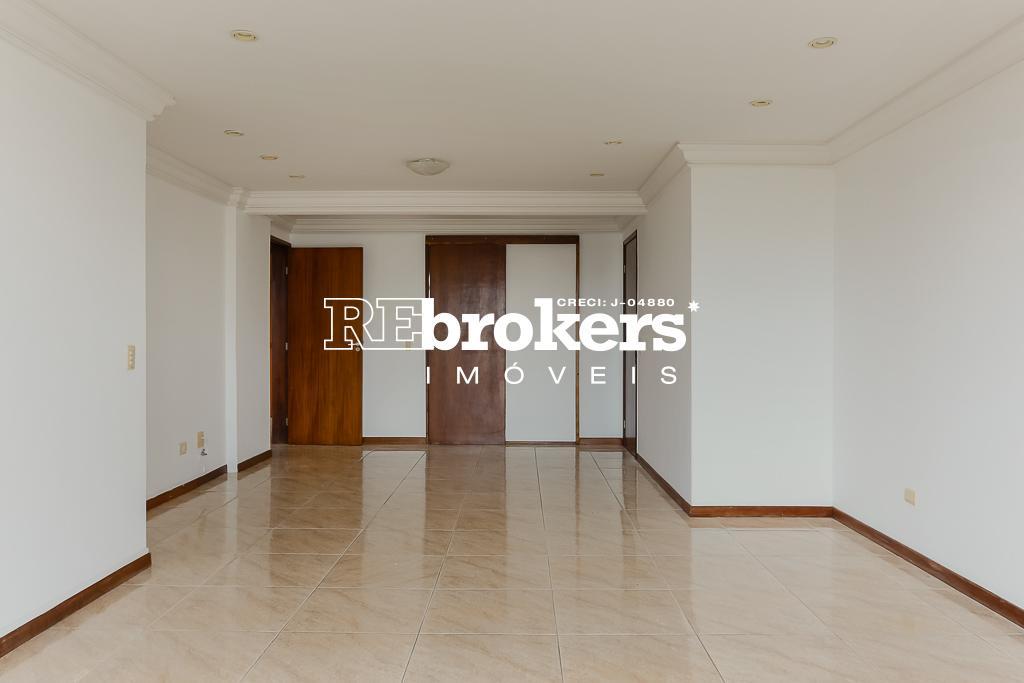 Apartamento em Curitiba, no bairro Cristo Rei