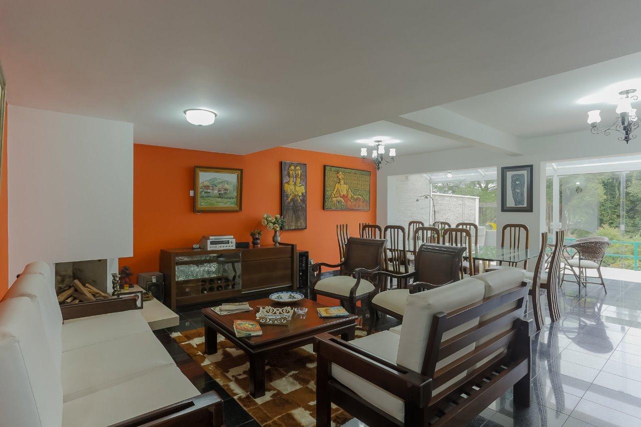 Casa com 4 dormitórios à venda em Curitiba, no bairro Alto da Rua XV