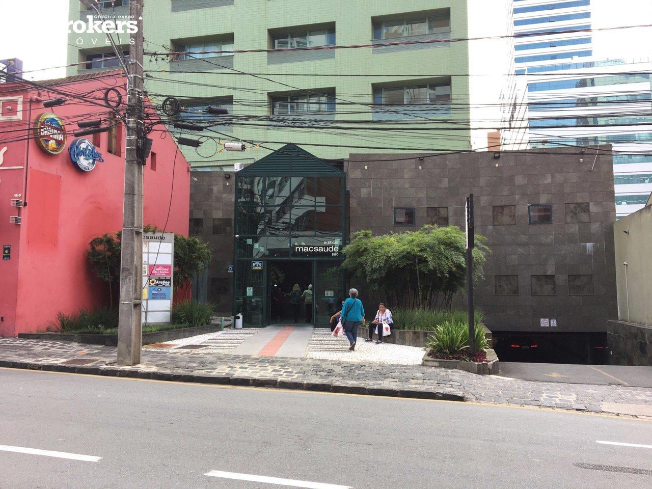 Salas/conjuntos à venda em Curitiba, no bairro Centro