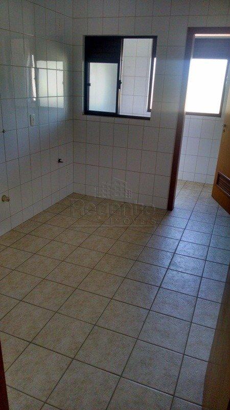 Apartamentos de 3 dormitórios à venda em Carvoeira, Florianópolis - SC