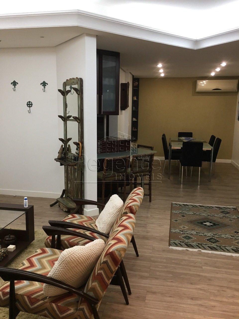 Coberturas de 3 dormitórios à venda em Centro, Florianópolis - SC